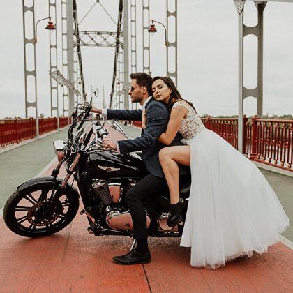 Harley Davidson на свадебную фотосессию